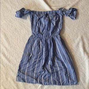 American eagle off the shoulder dress size XS